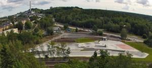 Bovenaanzicht van Europa's grootste skatepark: het 5600m2 grote Highvalley skatepark in Stockholm, Zweden.